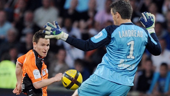 Leaders Lille lose points at Lorient