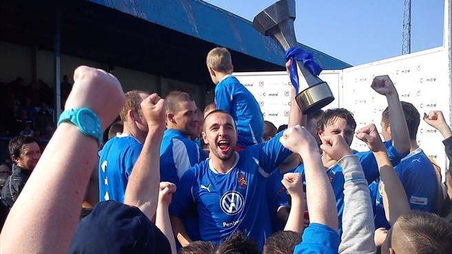 Bangor steal Welsh title from under TNS's nose