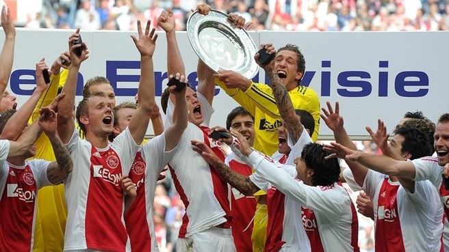 Ajax sink Twente to seal 30th Eredivisie title