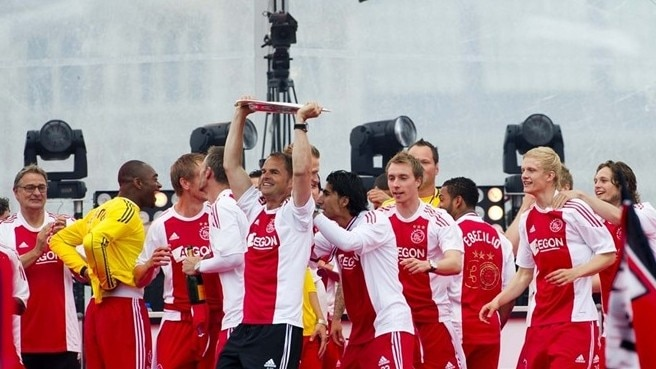 Ajax braced to hold off title hopefuls