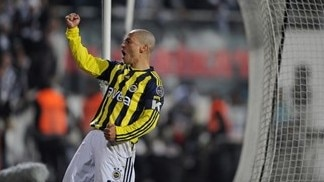 Fenerbahçe take title honours in Turkey