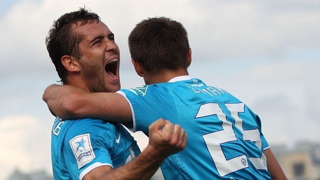 Zenit and Dinamo keep up title chase in Russia