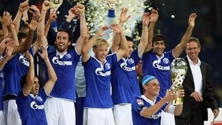 Schalke win German Super Cup on penalties