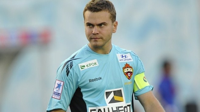 CSKA goalkeeper Akinfeev happy to stay put