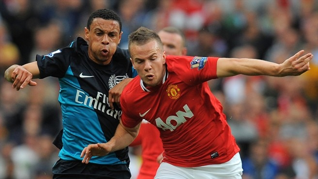 United's Cleverley out for a month