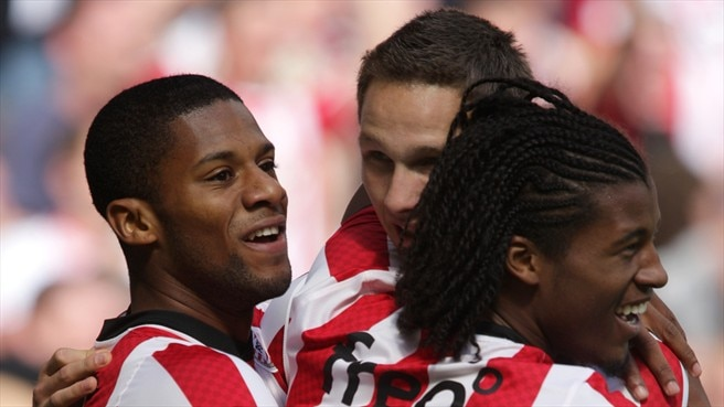 PSV know their place as Rapid come calling