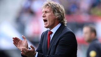 Verbeek plays down AZ's title chances