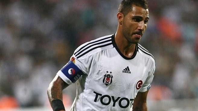 Beşiktaş lose Quaresma for Stoke decider