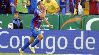 Juanlu double sends Levante top