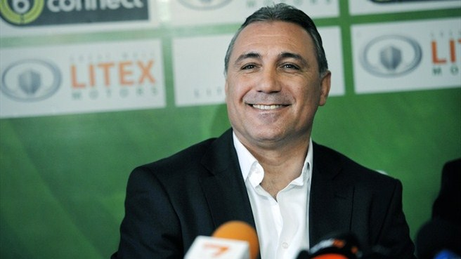 Litex coach Stoichkov ready for Levski
