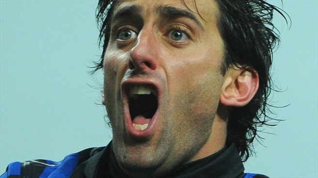 Milito makes merry in Inter's derby surge