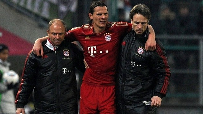 Van Buyten blow for Bayern
