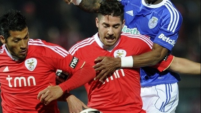 Javi García prolongs Benfica stay