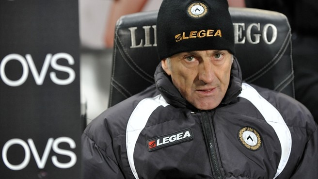 Udinese coach Guidolin warms the Golden Bench