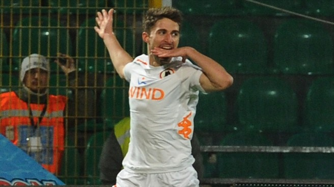 In-form Borini fires Roma into top six