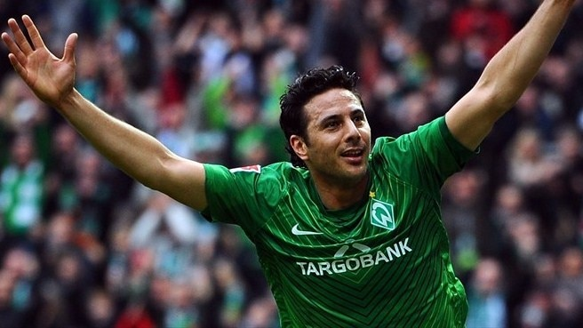 Pizarro returns to Bayern on free transfer