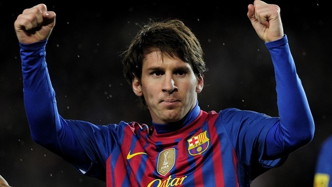 Three-goal Messi breaks Barcelona record