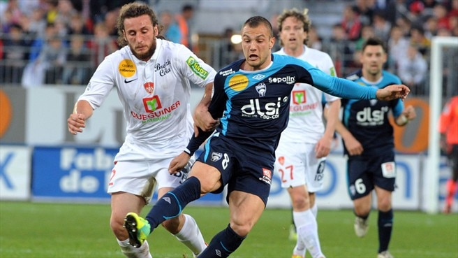 Paul Baysse  (Stade Brestois 29) & Yohan Mollo (AS Nancy-Lorraine)