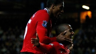 Late show lifts United five points clear