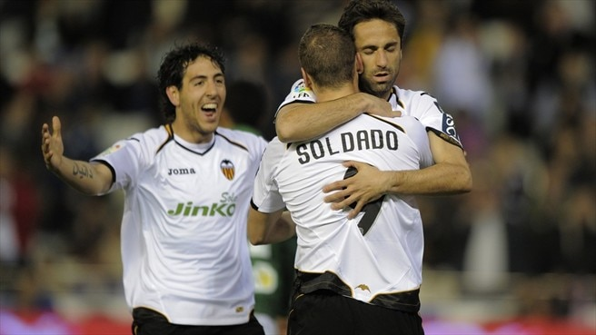 Valencia beat Betis to strengthen hold on third