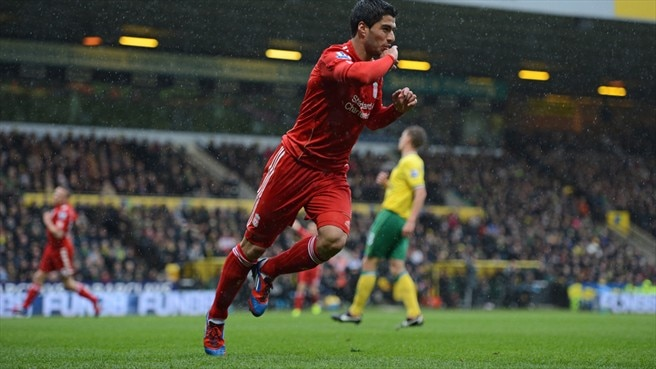 Suárez signs on for more with Liverpool