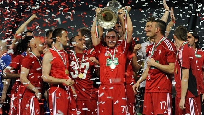 Debrecen lift cup after shoot-out success