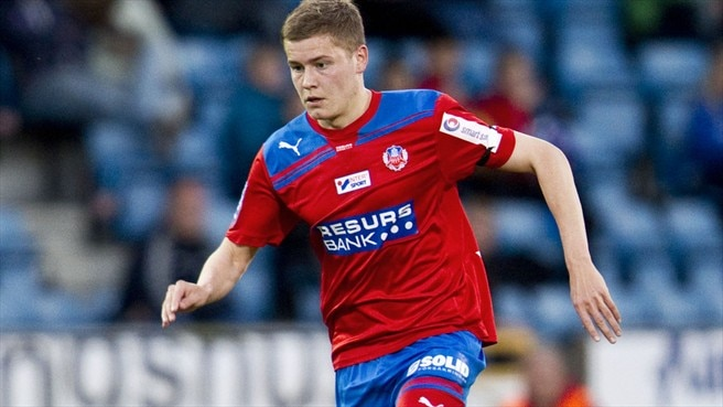 Finnbogason flies in at Heerenveen