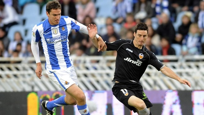 Ansotegi extends Real Sociedad stay