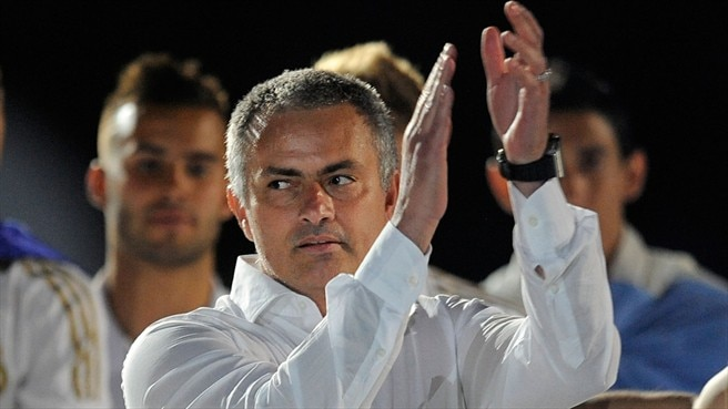 Mourinho pens new Real Madrid contract