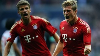 Brilliant Bayern hit Stuttgart for six
