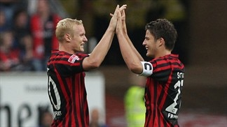 Frankfurt still flying after Hamburg win
