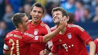 Bayern stay perfect as Dortmund run ends