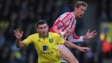 Robert Snodgrass (Norwich City FC) & Peter Crouch (Stoke City FC)