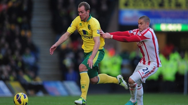 Steven Whittaker (Norwich City FC) & Michael Knightly (Stoke City FC)