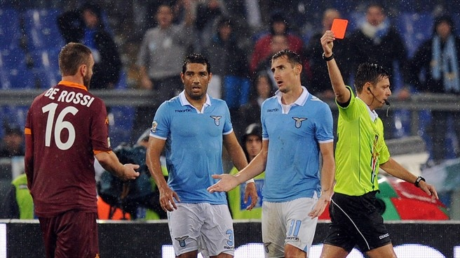 Daniele De Rossi (AS Roma) & Referee Gianluca Rocchi