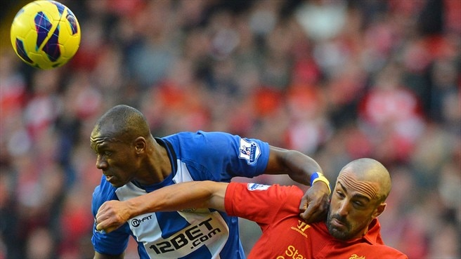Emmerson Boyce (Wigan Athletic FC) & José Enrique (Liverpool FC)
