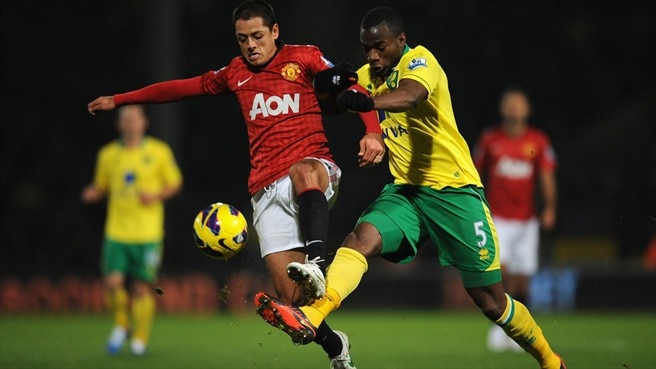 Javier Hernández (Manchester United FC) & Sebastien Bassong (Norwich City FC)