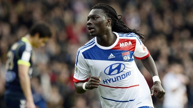 Lyon rise to Ligue 1 summit