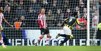 Wilfried Bony celebrates scoring in Vitesse's 2-1 win at PSV