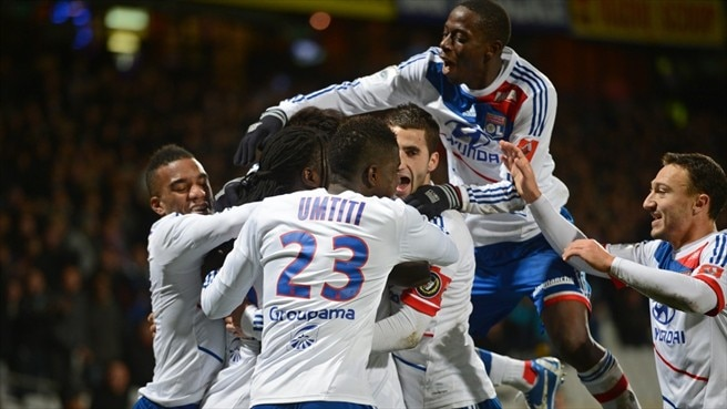 Gomis strike sends Lyon clear in France