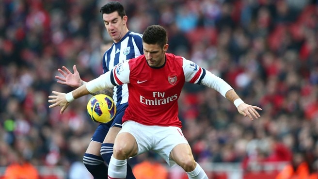 Olivier Giroud (Arsenal FC) & Liam Ridgewell (West Bromwich Albion FC)
