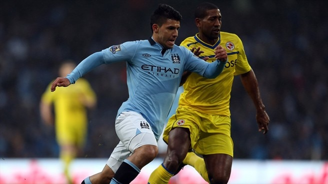 Sergio Agüero (Manchester City FC) & Mikele Leigertwood (Reading FC)