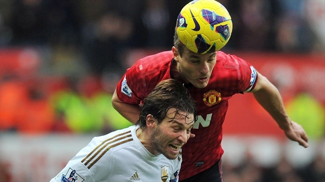 United stifled by Swansea, Chelsea score eight