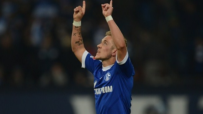 Schalke edge Hannover in nine-goal thriller