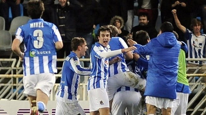 Real Sociedad de Fútbol players celebrate