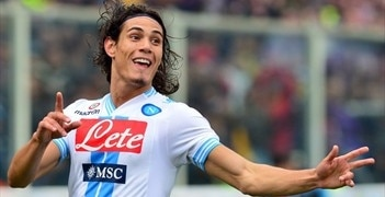 Edinson Cavani celebrates his 100th Serie A goal in Napoli's draw at Fiorentina
