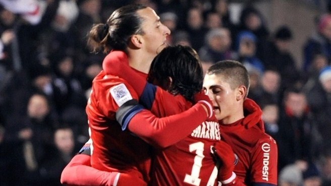 Ibrahimović puts PSG back on top
