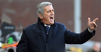 Vladimir Petković's Lazio side lost 3-0 at Siena on Monday