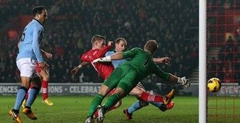 Steven Davis registered Southampton's second against City