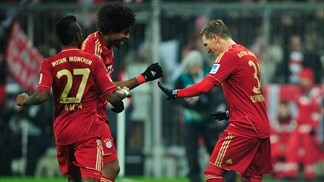 Rivals lose ground as Bayern build on lead